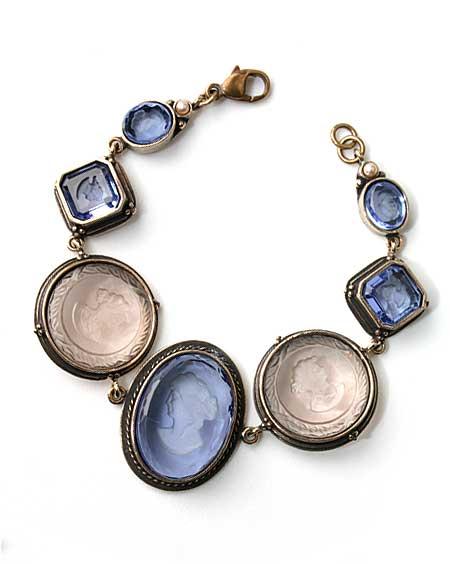 Periwinkle Intaglio Link Bracelet